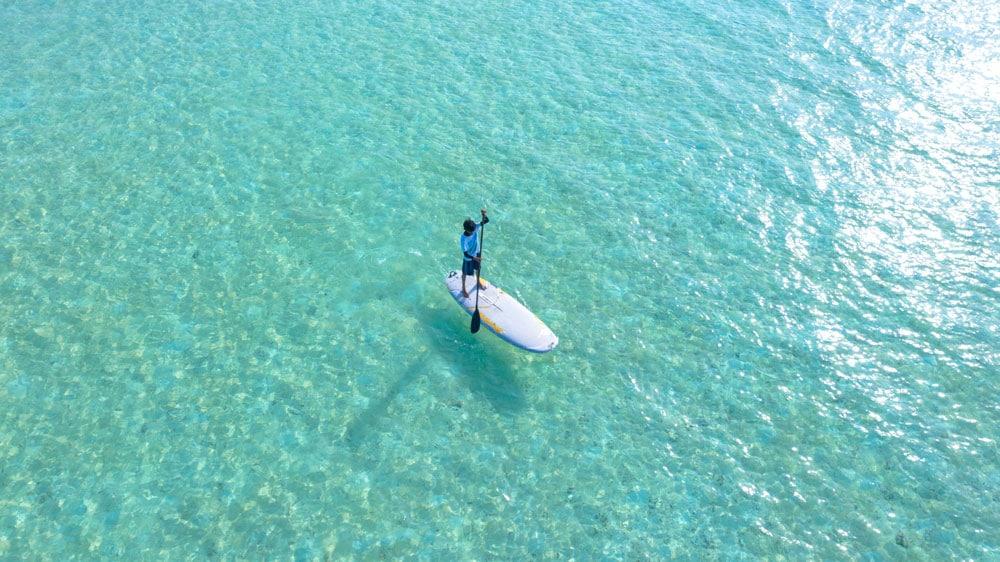 passeio de barco em florianópolis mares de floripa ilha da magia stand up paddle