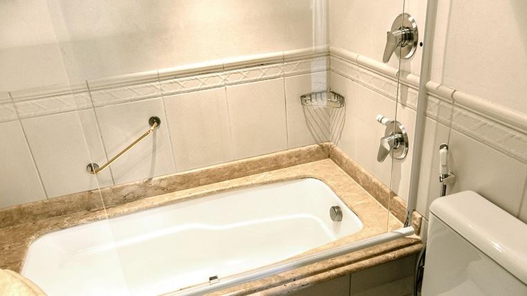 apartamento com banheira de imersão