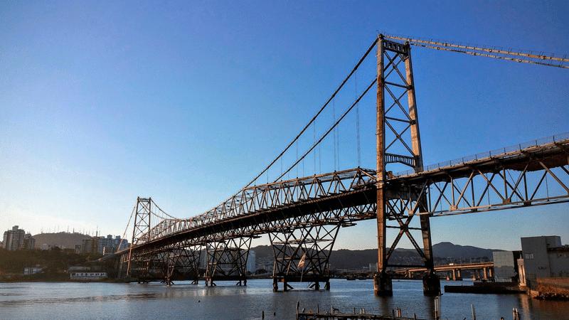 ponte hercílio luz florianópolis viagens curtas e baratas