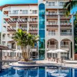 Conheça as características de um hotel de praia confortável