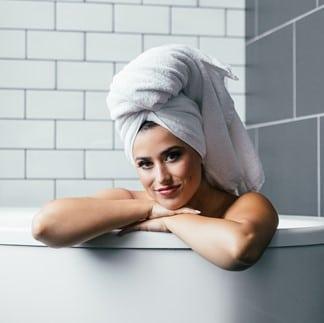 3 vantagens de se hospedar em um hotel com banheira